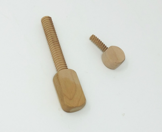 Picture of Wooden Screw / Table Clamp set (#2) for U-nitt Yarn swift TH085